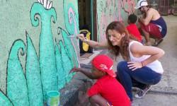 13 pintando las paredes con maria